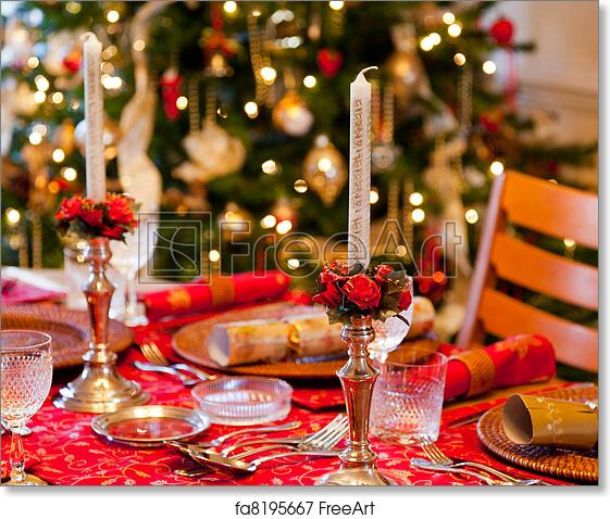 English Christmas Crackers.Free Art Print Of English Christmas Table With Crackers